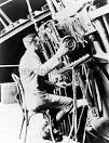 The American astronomer Edwin Hubble announces the